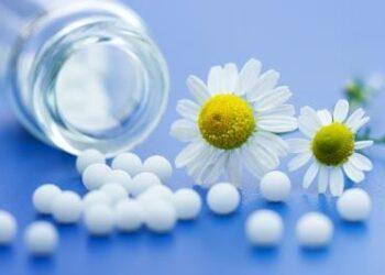 bachove cvetne esence in homeopatija  m
