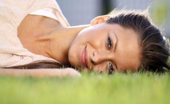 Pozitivne misli: Vaša čustva in vaše misli – Kakšna je povezava med njimi in kaj lahko naredite, da boste srečnejši