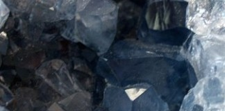 Elementarna energija kristalov