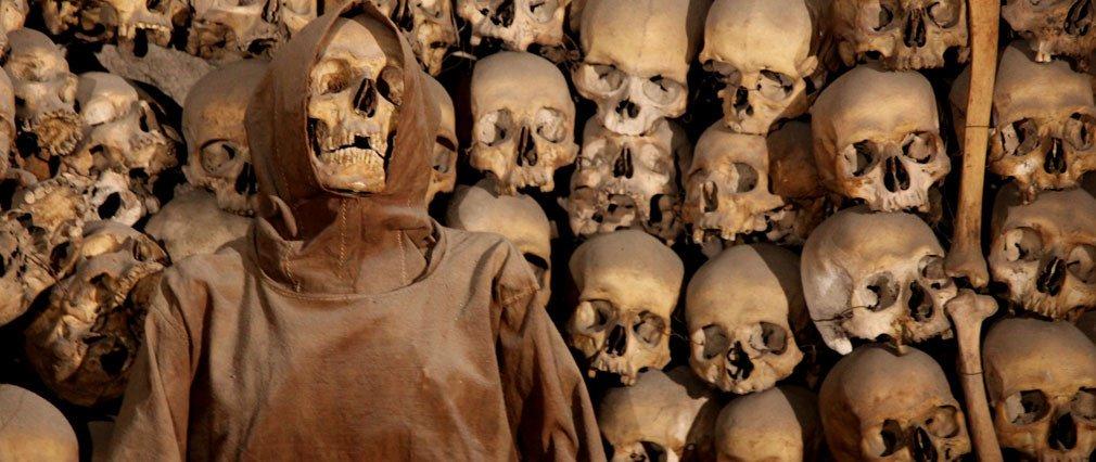 Okostja v katakombah učijo