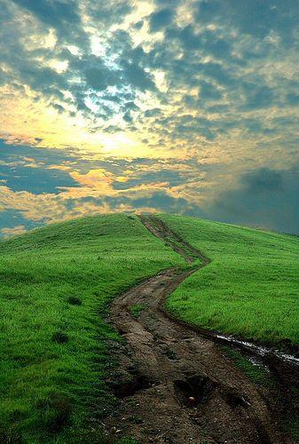 Tisoč milj dolgo potovanje se začne z enim samim majhnim korakom (Lao Tse)