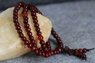 Budistična verižica za mantranje - 108 kroglic