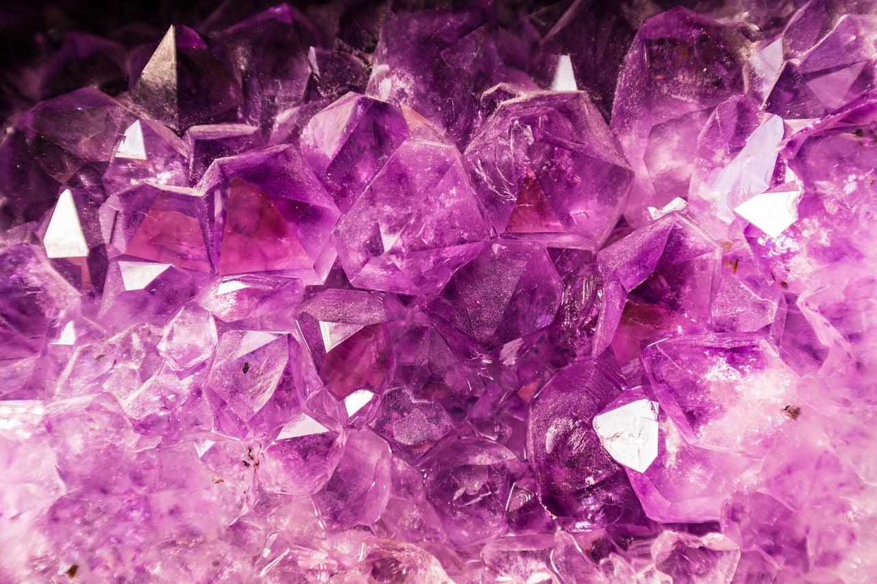 Kristali in minerali zdravijo in krepijo človeka