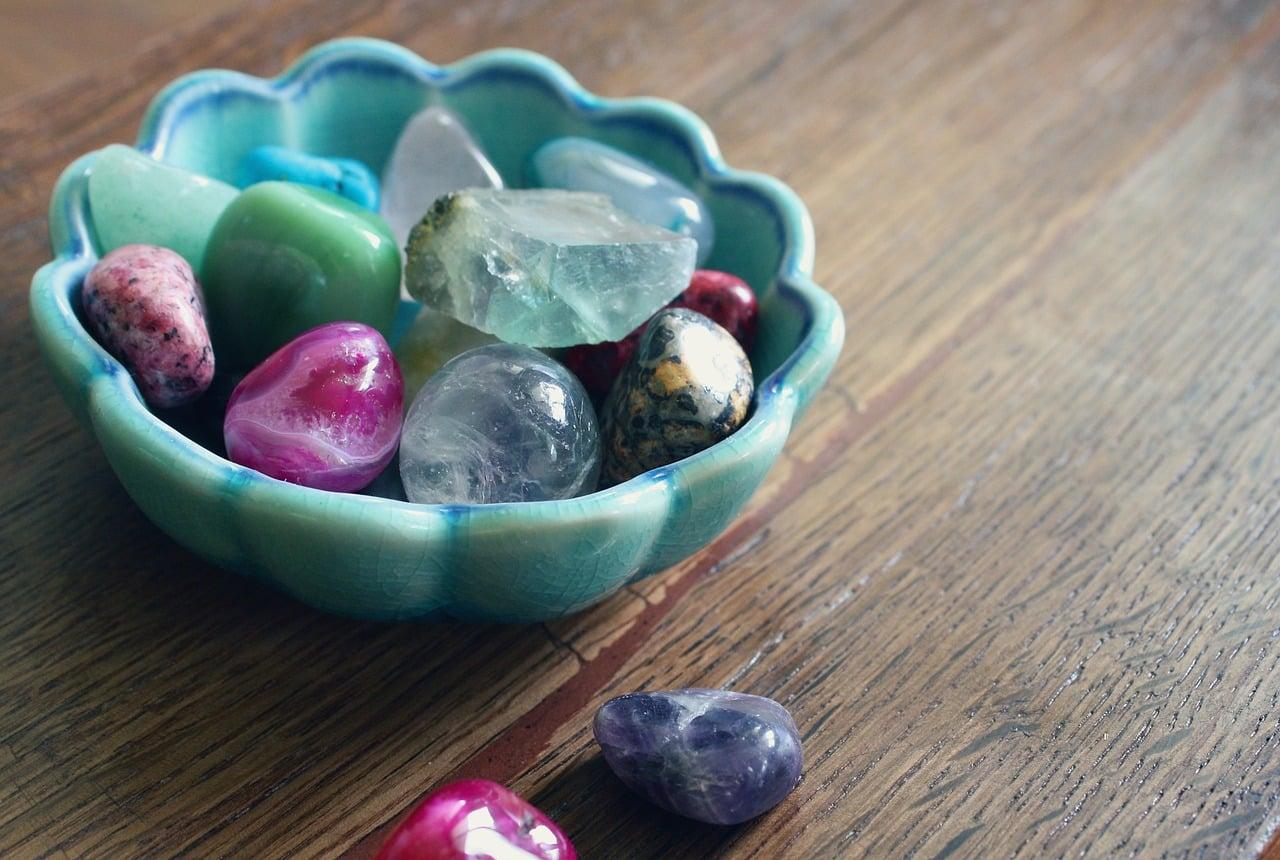 Meditacija z različnimi kristali 9