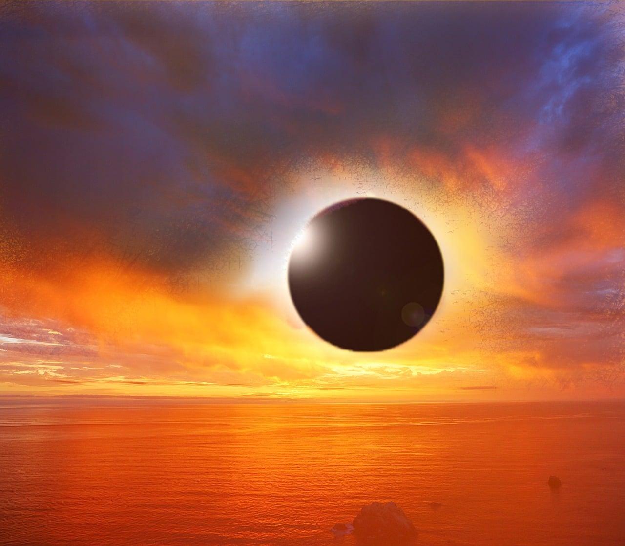 Prihaja solsticij in poletni mrki 8
