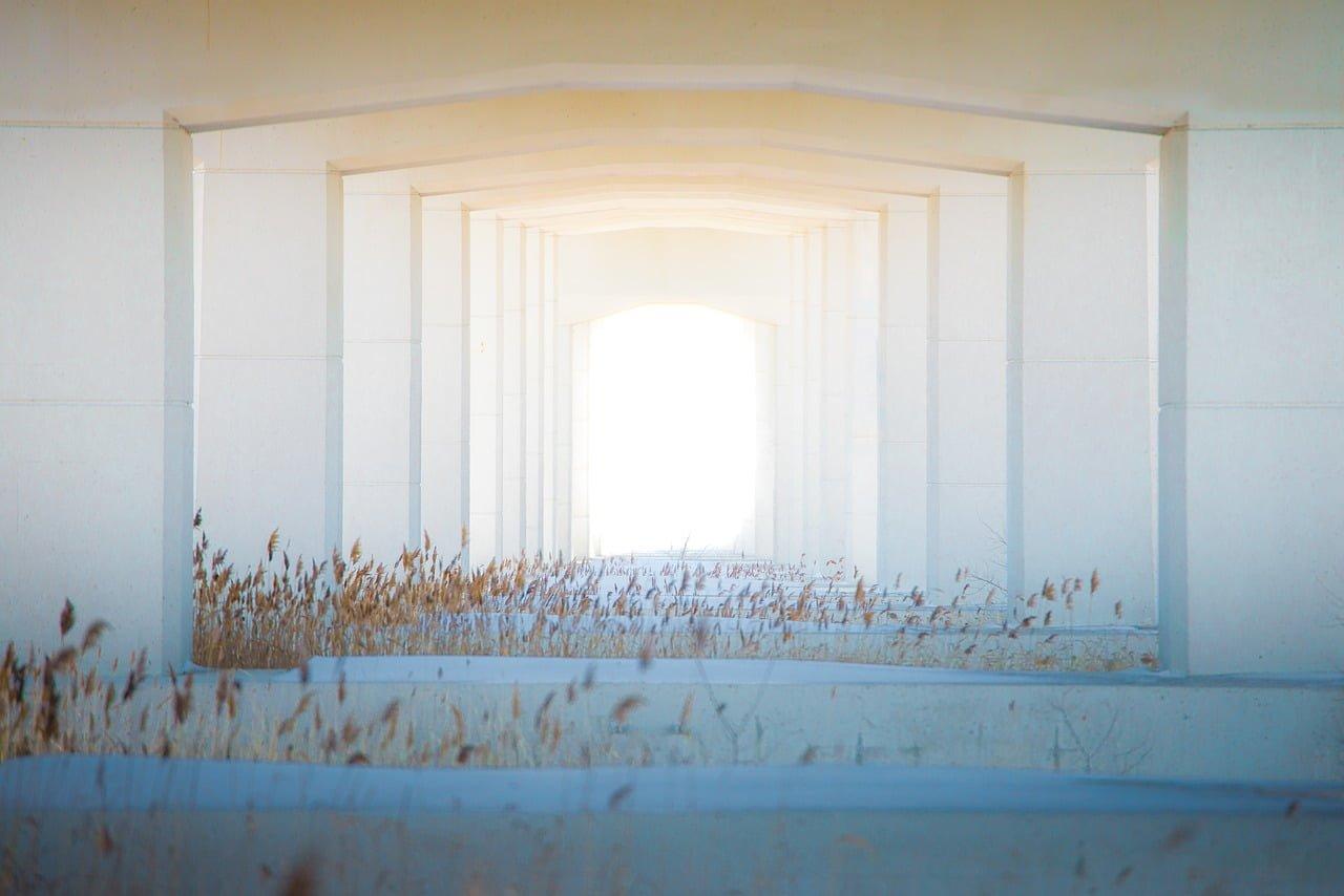 Simbolizem vrat: Vrata – pogum za preseganje omejitev