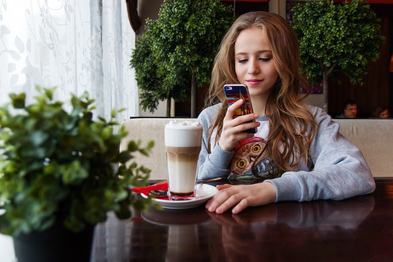 Odvisnost od pametnega telefona 1