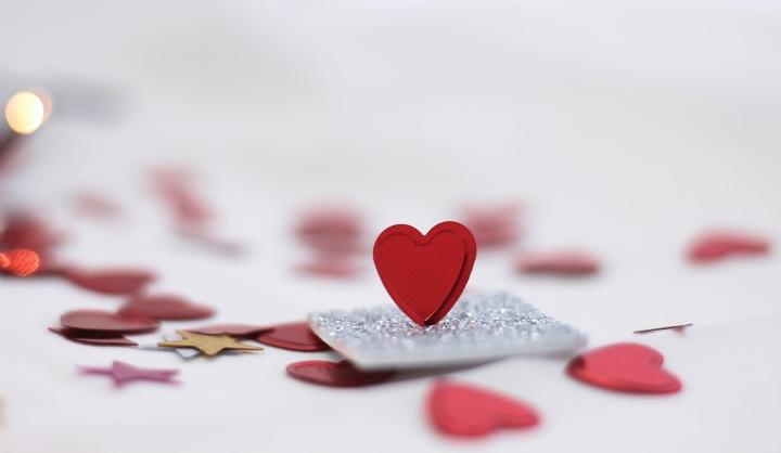 Ljubiti za vedno - Romantična razmerja